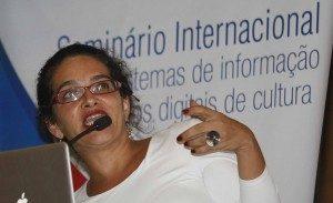 Seminário-Internacional-Sistemas-de-Informação-e-Acervos-Digitais-de-Cultura.3-300x183